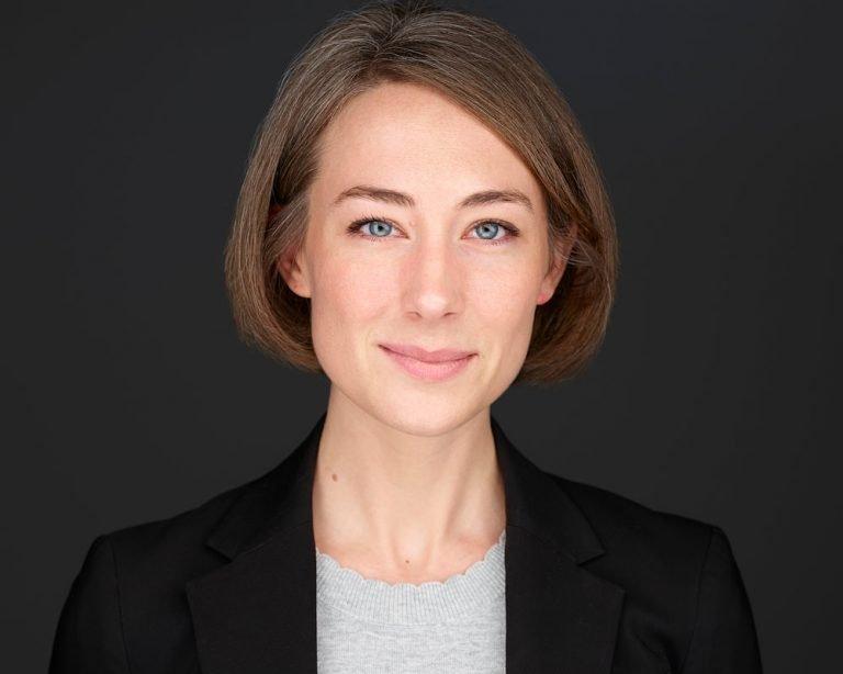 Professional Businesswoman Headshot NYC